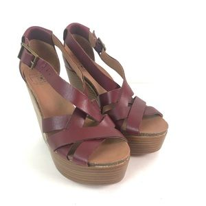 Lucky brand wedge strappy red sandals